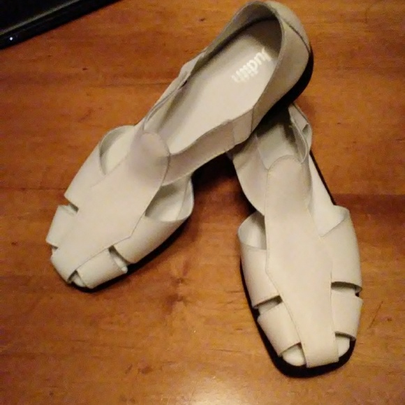 b79b4411a Judith Shoes - (New)Judith Rosemary Fisherman Sandals